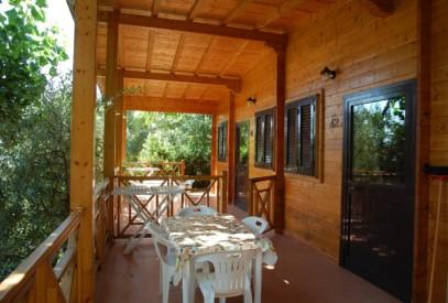 tipo l casa di legno camping vacanze cupramarittima terrazzo sul mare