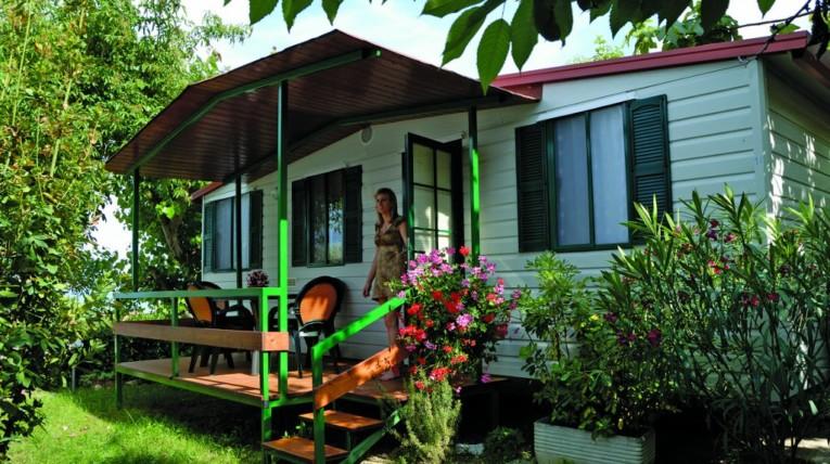 casa mobile 4 posti Camping Terrazzo sul Mare Cupramarittima vacanza mare riviera cupramarittima